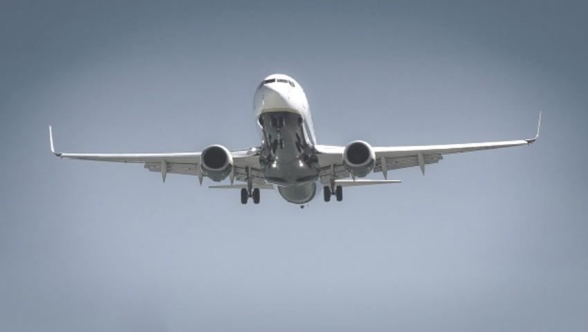 Foto: Un avion cu 161 de pasageri la bord a aterizat de urgență, după ce a decolat spre Frankfurt