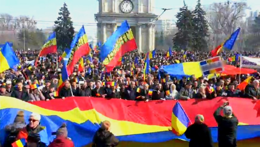 Foto: Centenarul Marii Uniri: sute de basarabeni pornesc deseară spre Alba Iulia