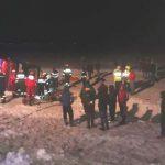 Foto: Un autocar cu moldoveni care se întorcea din Italia, s-a răsturnat în Vrancea. O persoană a decedat