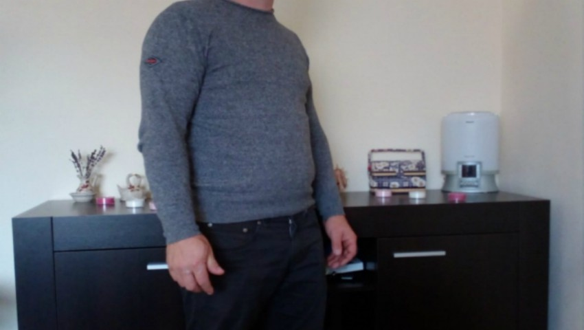 Un român a descoperit 95.000 de euro într-un dulap second-hand cumpărat de pe internet