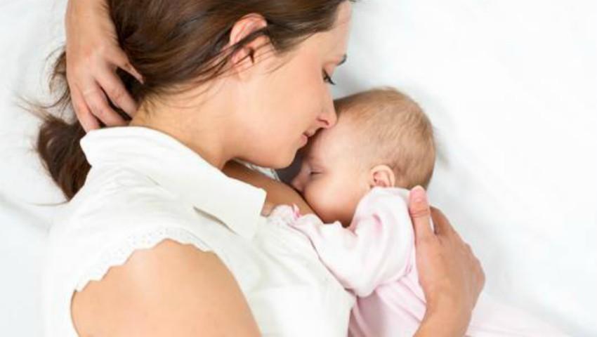 Foto: Alăptarea scade riscul de ficat gras în cazul mamelor, potrivit unui nou studiu