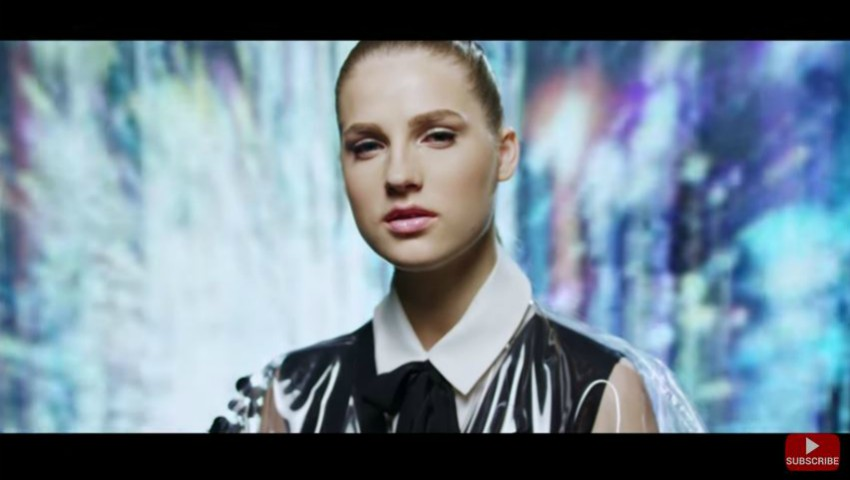Foto: Ana Munteanu a lansat o piesă nouă! Video