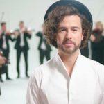 """Foto: Video! Pasha Parfeni, în colaborare cu Nicolae Botgros și Orchestra ,,Lăutarii"""", a lansat o piesă emoționantă dedicată tuturor părinților"""