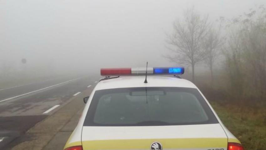 Foto: INP atenționează șoferii: Ce reguli trebuie să respectați când conduceți pe timp de ceață
