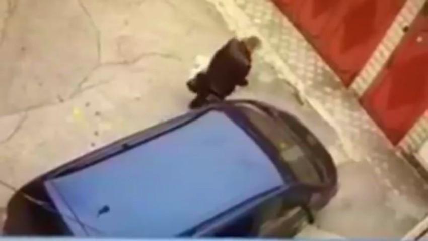 Foto: Video! Două femei au fost atacate și deposedate de genți în sectorul Buiucani al Capitalei