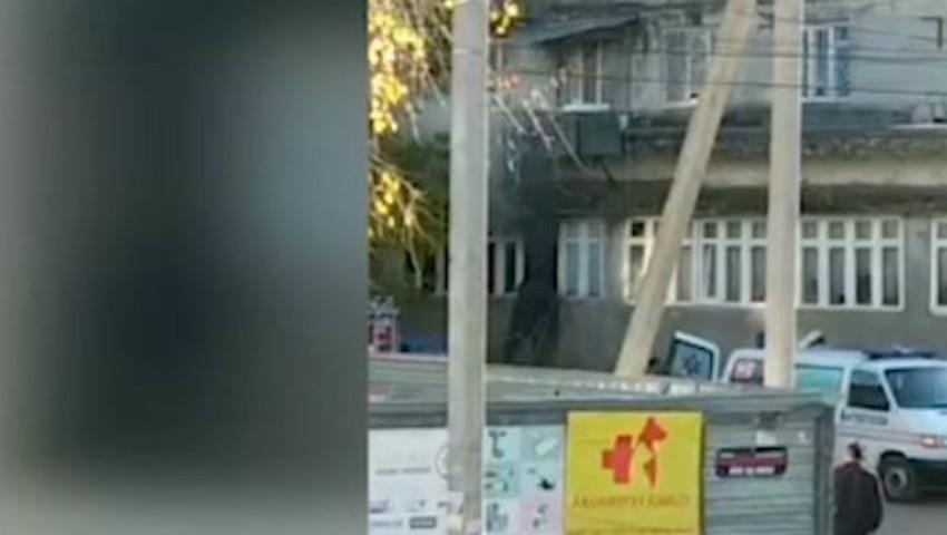 Foto: Incendiu în Capitală. Un apartament a fost curprins de flăcări