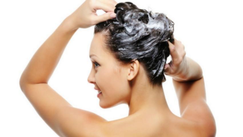 Foto: Ai știut? De ce să folosești balsamul de păr înaintea șamponului
