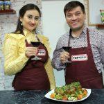 Foto: Online Cooking Show cu Corina Țepeș și Costi Burlacu – Ceafă de porc la cuptor, cu muștar