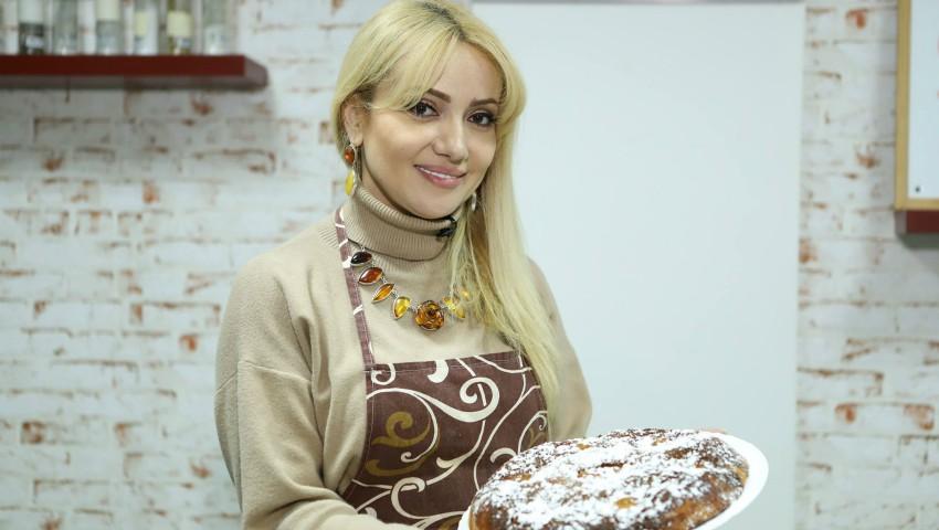 Foto: Tort de mere – o prăjitură festivă pregătită cu mult drag de Adriana Ochișanu