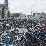 Foto: Țara care îi plătește pe angajați dacă merg la serviciu cu bicicleta