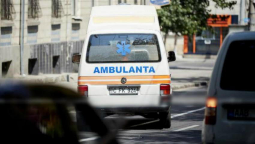 O femeie din Orhei a născut în ambulanță. Cum se simte bebelușul