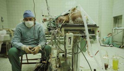 Un chirurg polonez se odihnește după o operație de 23 de ore. Ce s-a întâmplat cu pacientul său?