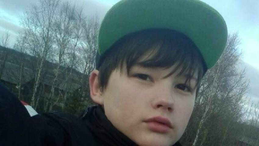 Foto: Un băiețel din Rusia și-a salvat mama de la moarte, însă a fost abandonat