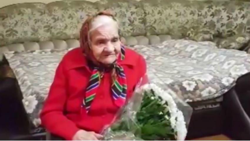 Foto: Video! O bunicuță din Chișinău a împlinit 100 de ani! Vezi cum cântă și recită versuri
