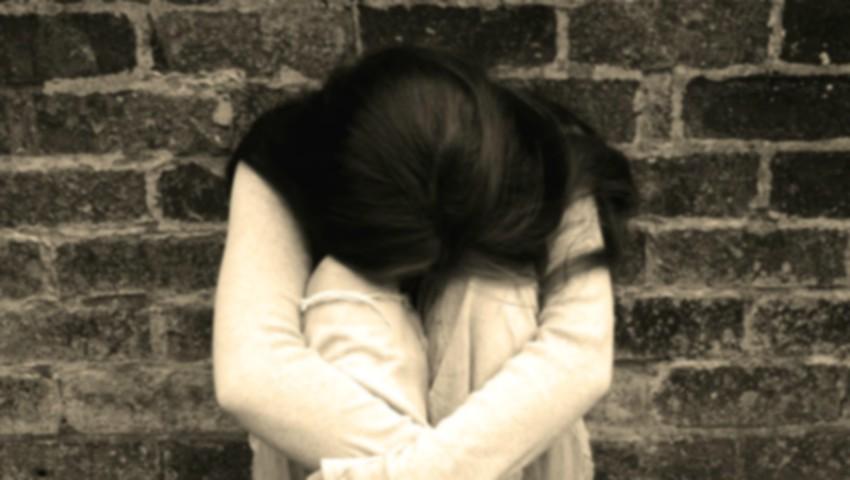 O elevă de 15 ani a încercat să-și pună capăt zilelor, după o ceartă cu colegii de clasă