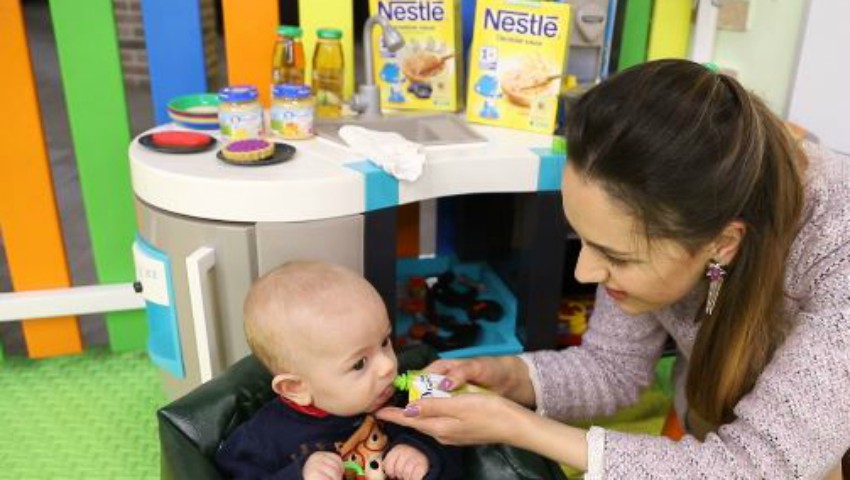 Foto: Daniela Dermengi: De dragul lui Dănuț, a uitat de job! Ce-i lipsește bloggeriței în concediul de maternitate
