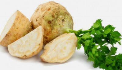 Salată de țelină cu nuci