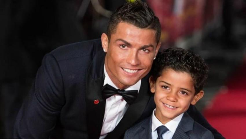 Foto: Ce cadou a primit Cristiano Ronaldo de Crăciun?