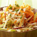 Foto: Salată-medicament din mere, morcovi și nuci