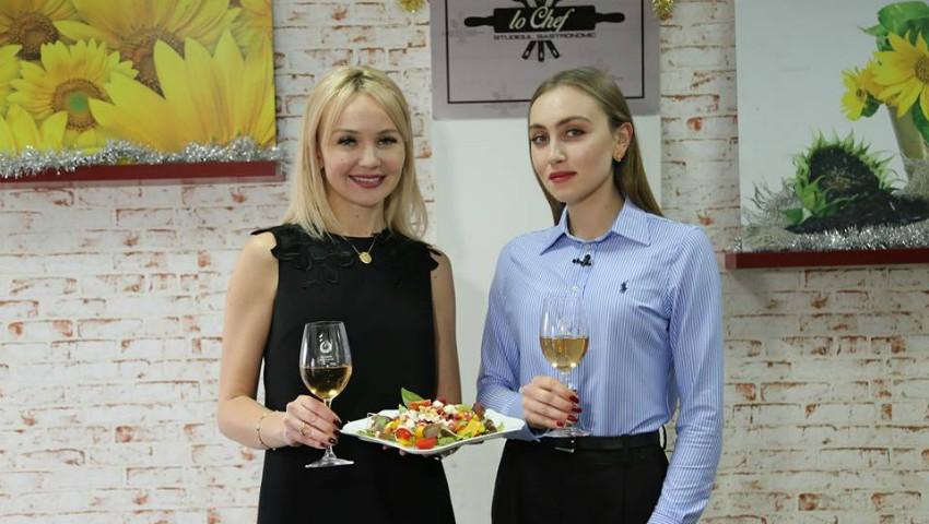 Foto: Salată de sărbătoare de la Ecaterina Lica și fiica ei