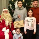 Foto: Momente frumoase de Crăciun, în familia Corinei Țepeș și a lui Costi Burlacu