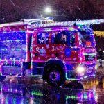 Foto: Video! Caravana de Crăciun a mașinilor de Pompieri a făcut senzație pe străzile Capitalei