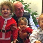 Foto: Traian Băsescu, alături de familie şi cei patru nepoţi, la sărbătoarea Crăciunului