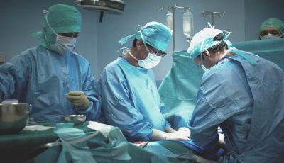 Premieră medicală! O intervenție minim invazivă pentru îndepărtarea pietrelor la rinichi, a fost realizată de medicii moldoveni