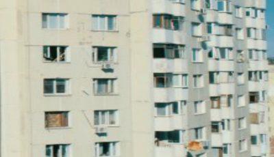 Locătarii din blocul explodat din sectorul Râşcani revin la casele lor