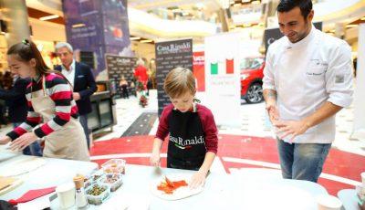 """MasterChef Pizza – ,,Cel mai mic și bun pizzar"""" la evenimentul organizat de Casa Rinaldi a fost Răzvan Cujba, în vârstă de 7 anișori"""