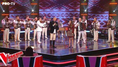 """Moment spectaculos! Orchestra Fraților Advahov, în finala ,,Vocea României"""" alături de Nicolae Furdui Iancu și concurenta Andrei!"""