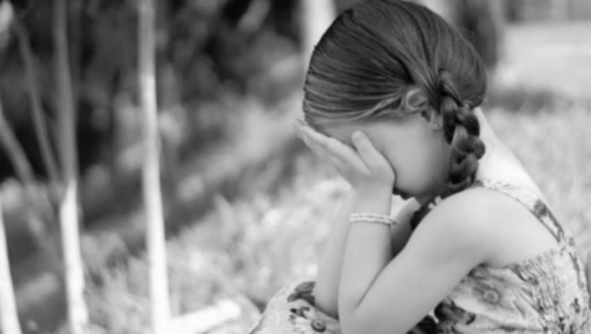 Foto: O fetiţă de 4 ani a fost dată afară de la serbarea de la grădiniţă pentru că părinţii nu au putut să-i cumpere costum