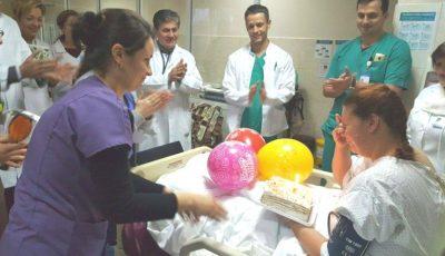O femeie din Ungheni, mamă a doi copii, și-a revenit din comă după 10 zile. Astăzi ea este omagiată