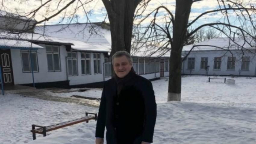 Foto: Un cunoscut medic moldovean a donat suma de 100.000 lei pe care a primit-o în calitate de laureat al Premiului Național de Stat
