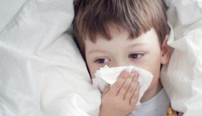 Bântuie o viroză respiratorie care afectează în special copiii de până la 4 ani