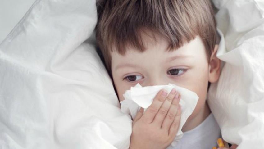Foto: Bântuie o viroză respiratorie care afectează în special copiii de până la 4 ani