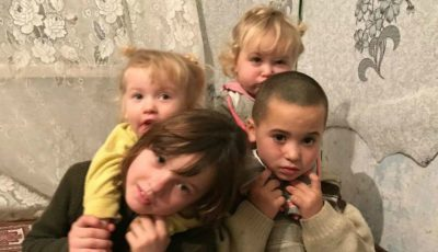 Patru copii din Ciobanovca au nevoie de ajutor! Nu au lemne de foc, haine și mâncare