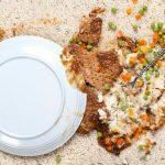 Foto: Ce să faci dacă ți-a căzut mâncarea pe jos