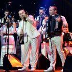 Foto: A ridicat publicul în picioare. Orchestra Fraților Advahov a susținut un concert extraordinar în Serbia!