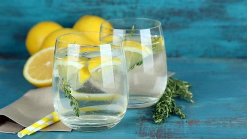 Foto: Tu știi când și cum să bei apă?