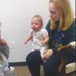 Foto: Video viral. Momentul în care un bebeluș începe să audă pentru prima oară, după o infecție gravă