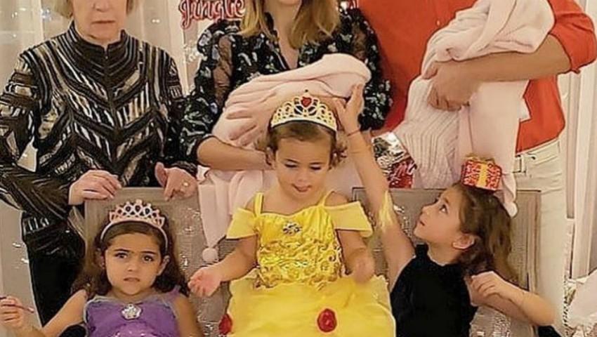 Foto: Ce bucurie! Cunoscuta actriță a devenit mamă de gemene, chiar de Revelion