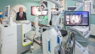 Un spital din Iași a achiziționat cel mai performant robot în chirurgie spinală și neurochirurgie din lume