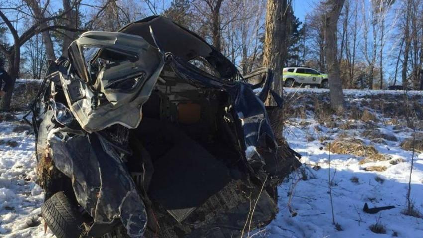 Foto: Accident grav la Edineț: o mașină, făcută zob, iar șoferul a fost găsit fără suflare