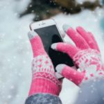 Foto: De ce ți se descarcă așa repede telefonul când afară e frig