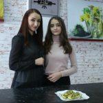 Foto: Rețeta celor mai gustoși dovlecei de la Nadia Moșneagu și fiica ei