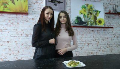 Rețeta celor mai gustoși dovlecei de la Nadia Moșneagu și fiica ei