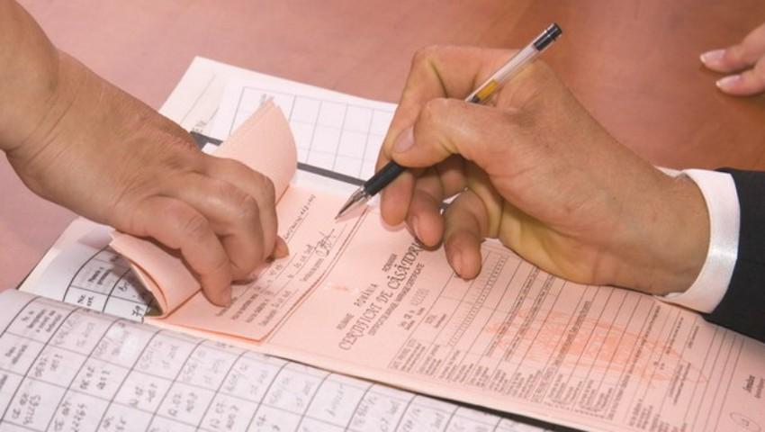 Foto: Autoritățile române modifică și actele de stare civilă, după pașapoarte. Iată ce schimbări vor fi introduse