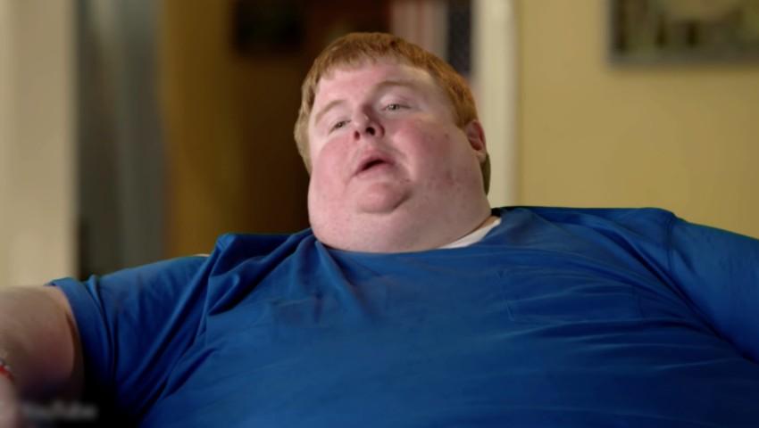 Tânărul care cântărește 317 kg, este dependent de jocurile video și nu vrea să facă nicio schimbare în viața sa