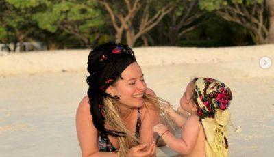 Laura Cosoi și-a sărbătorit fetița în Maldive. Imagini înduioșătoare